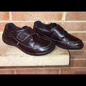 Ecco Woman's Black slip On Size 9/40EU Leather
